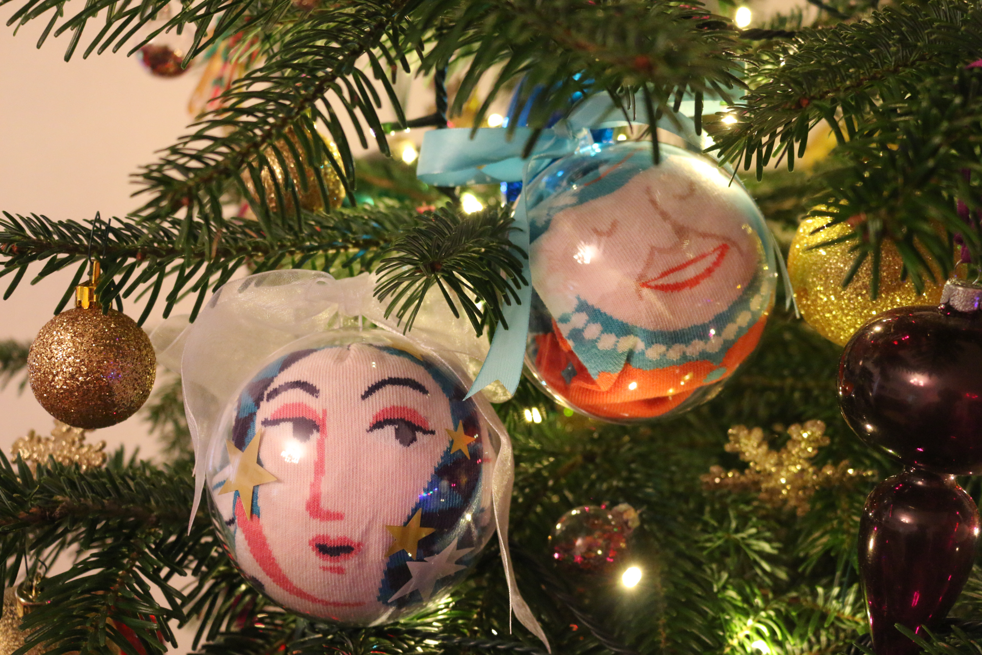 Low-cost art & craft ideas to create personalised Christmas decor