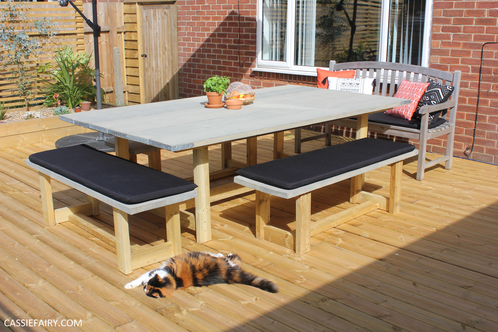 Thrifty Diy How To Upcycle Scaffolding Boards Into A Garden Table