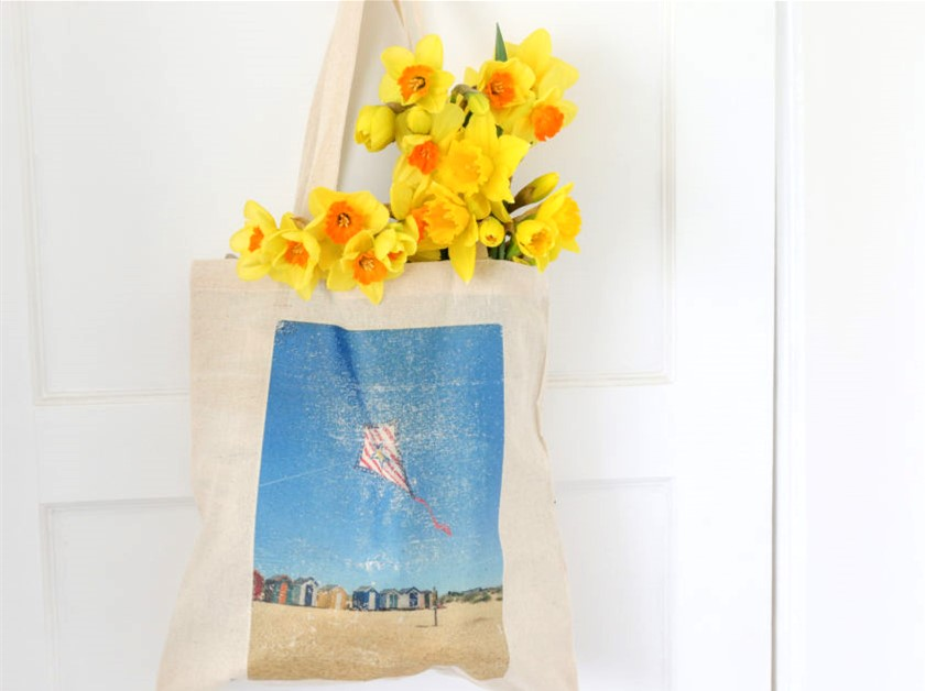 Low-cost & homemade Mother's Day gifts you can post to your mum this year